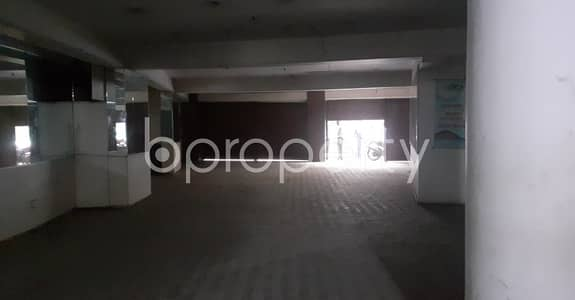Floor for Rent in Motijheel, Dhaka - Commercial Floor Of 2900 Sq Ft Is Up For Rent In Naya Paltan.
