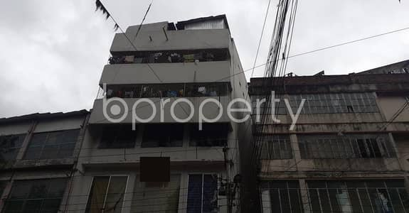 ভাড়ার জন্য এর অফিস - নিউ মার্কেট, ঢাকা - A 1320 Sq Ft Commercial Office Space Is Available For Rent Which Is Located At Newmarket Nearby Bata Signal.