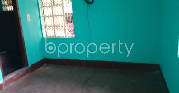 2 Bedroom Flat for Rent in 30 No. East Madarbari Ward, Chattogram - Nicely constructed 900 SQ FT apartment is available to Rent in 30 No. East Madarbari Ward