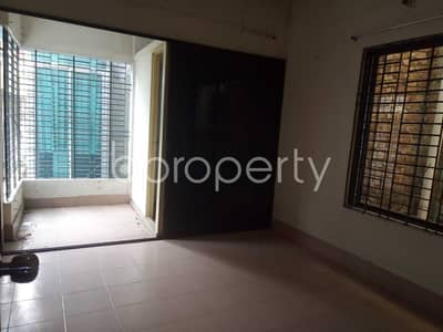 2 Bedroom Apartment for Rent in Lalbagh, Dhaka - 2 Bedroom, 2 Bathroom Apartment With A View Is Up For Rent In New Paltan Road, Azimpur .