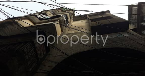 factory for Rent in Bangshal, Dhaka - A Well Constructed 2000 Sq Ft Commercial Factory Is Up For Rent In Siddique Bazar.