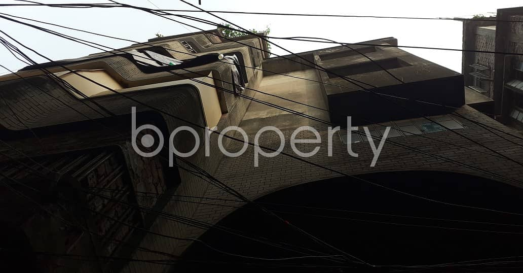 A Well Constructed 2000 Sq Ft Commercial Factory Is Up For Rent In Siddique Bazar.