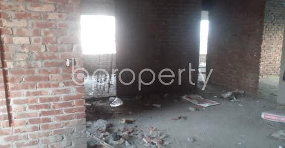 4 Bedroom Apartment for Sale in Maghbazar, Dhaka - A 1550 Sq Ft Nice And Comfortable Flat Is Up For Sale In Nayatola Maghbazar.