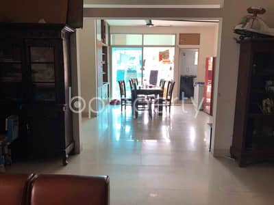 Comfortable, Convenient And Well-constructed 1650 Sq. Ft Flat Is Ready For Rent At Banasree Very Close To Teletalk Customer Care.