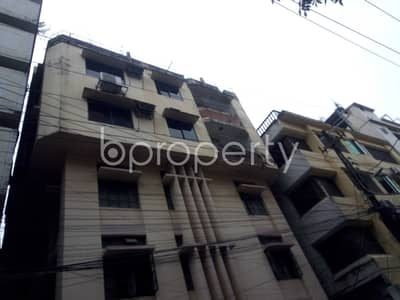 Strongly constructed 1250 SQ FT residence is available to Rent in Panchlaish, Block B