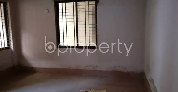 3 Bedroom Apartment for Rent in 32 No. Andarkilla Ward, Chattogram - Affordable And Cozy 3 Bedroom Flat Is Up For Rent In The Location Of 32 No. Andarkilla Ward Close To Kadam Mobarak Shahi Jame Masjid.