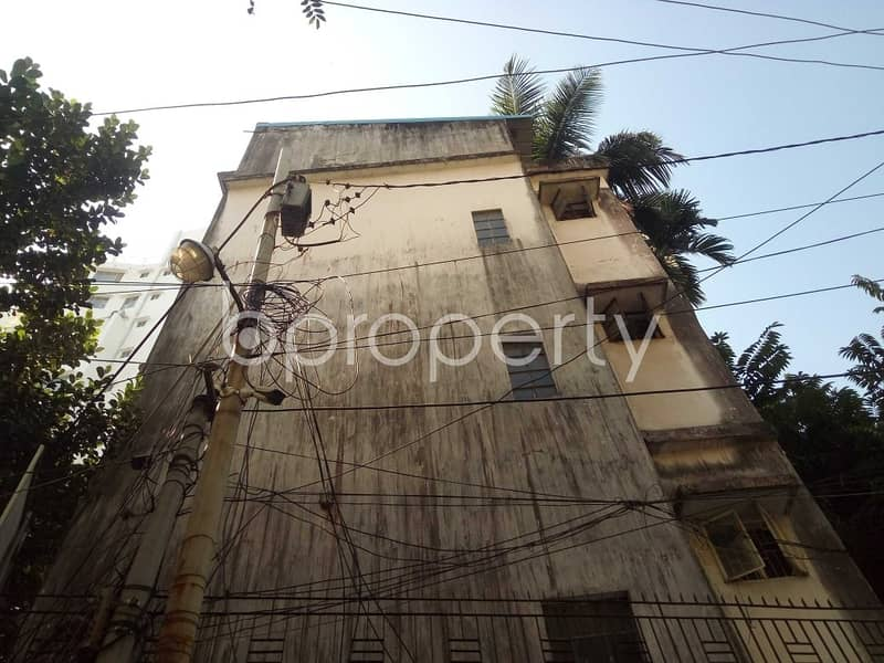 Be the resident of a 1250 SQ FT residential flat waiting to get rented at Panchlaish