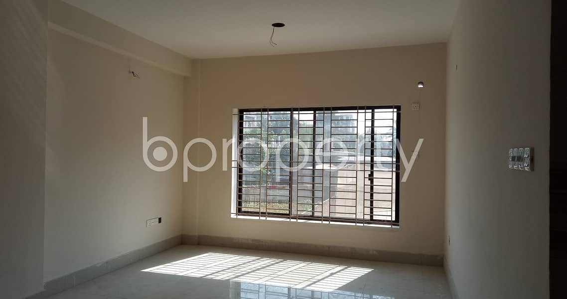 This 2810 Sq. Ft Flat In Bashundhara R-A , With A Convenient Price Is Up For Sale
