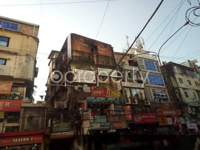 Apartment for Rent in 16 No. Chawk Bazaar Ward, Chattogram - At Chawk Bazar 1400 Sq. ft Ready Commercial Space Is To Rent