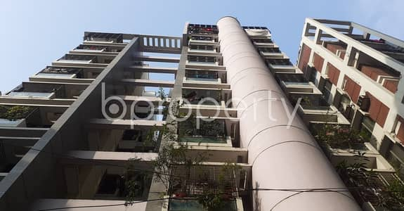 3 Bedroom Flat for Rent in Dhanmondi, Dhaka - This convenient 1450 SQ FT residential apartment is coming up to get rented at Dhanmondi