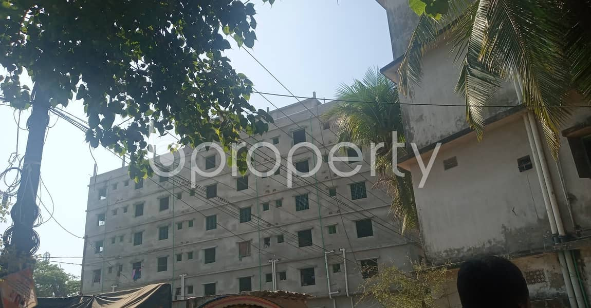 A Nice 500 Sq Ft Living Space With Reasonable Price For Rent In New Mooring, 39 No. South Halishahar Ward.