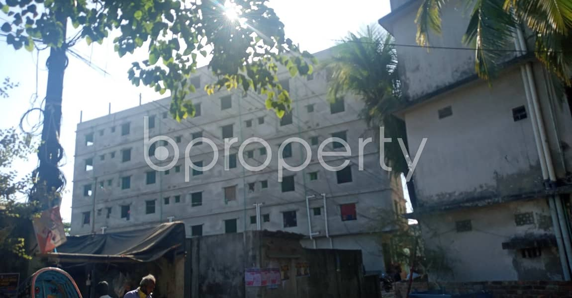 Great location! Check out this flat for rent in Bandartila which is 500 sq ft