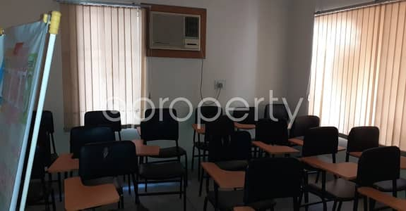 3 Bedroom Apartment for Rent in New Market, Dhaka - Next To Govt. Teachers' Training College , This Ready And Comfortable 1680 Sq. Ft Apartment Is Up For Rent At New Market .
