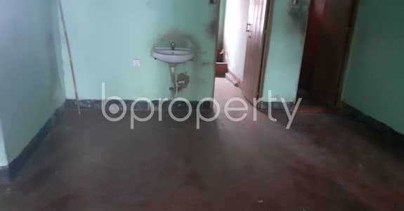 2 Bedroom Flat for Rent in 33 No. Firingee Bazaar Ward, Chattogram - A relaxing 1000 SQ FT home is up at 33 No. Firingee Bazaar Ward with a very low price
