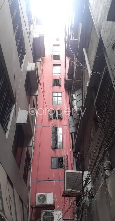 1 Bedroom Flat for Rent in New Market, Dhaka - We Offer You This Amazing Flat Of 700 Sq Ft Which Is Up For Rent, Located In Elephant Road