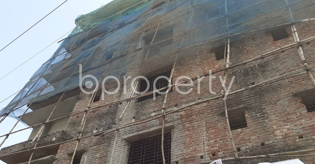 See This Apartment Is Up For Sale In Madhya Ajampur Near Noor Masjid.