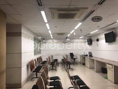 Office for Sale in Kathalbagan, Dhaka - A 2650 Square Feet Ready Office For Sale In Panthapath