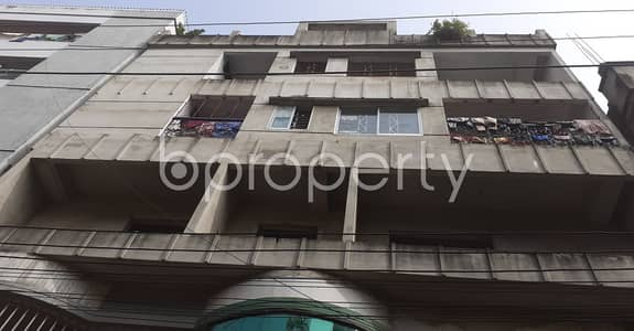 3 Bedroom Flat for Rent in 33 No. Firingee Bazaar Ward, Chattogram - A Nice 1100 Sq. Ft House Is Available For Rent At 33 No. Firingee Bazaar Ward With An Affordable Deal.
