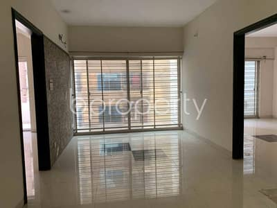5 Bedroom Duplex for Rent in Bashundhara R-A, Dhaka - In An Urban Location And Reasonable Price, See This Duplex Is Available For Rent In Bashundhara R-A Close To Baitul Jannat Jame Mosque.