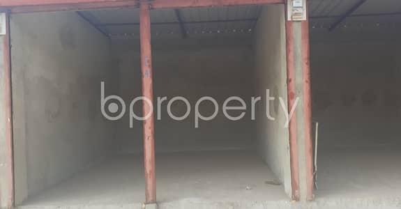 ভাড়ার জন্য এর দোকান - ৩০ নং ইস্ট মাদারবাড়ি ওয়ার্ড, চিটাগাং - Near By City Govt. Girl's High School A 180 Sq. Ft Commercial Shop For Rent