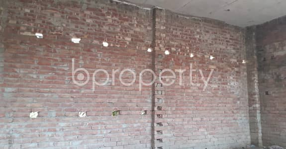 Shop for Rent in Hazaribag, Dhaka - A 250 Sq. ft Commercial Shop Is For Rent In Jhauchor.