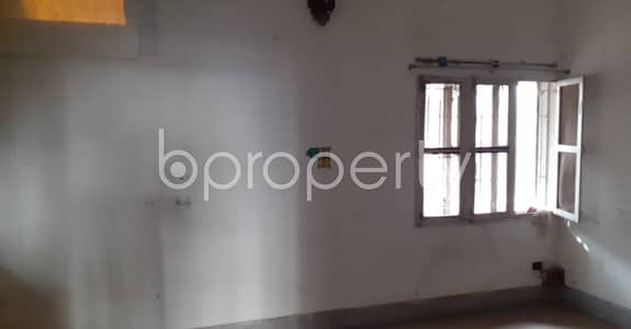 3 Bedroom Office for Rent in Lalmatia, Dhaka - Come And Grab This 1900 Sq Ft Commercial Office For Rent In Lalmatia.