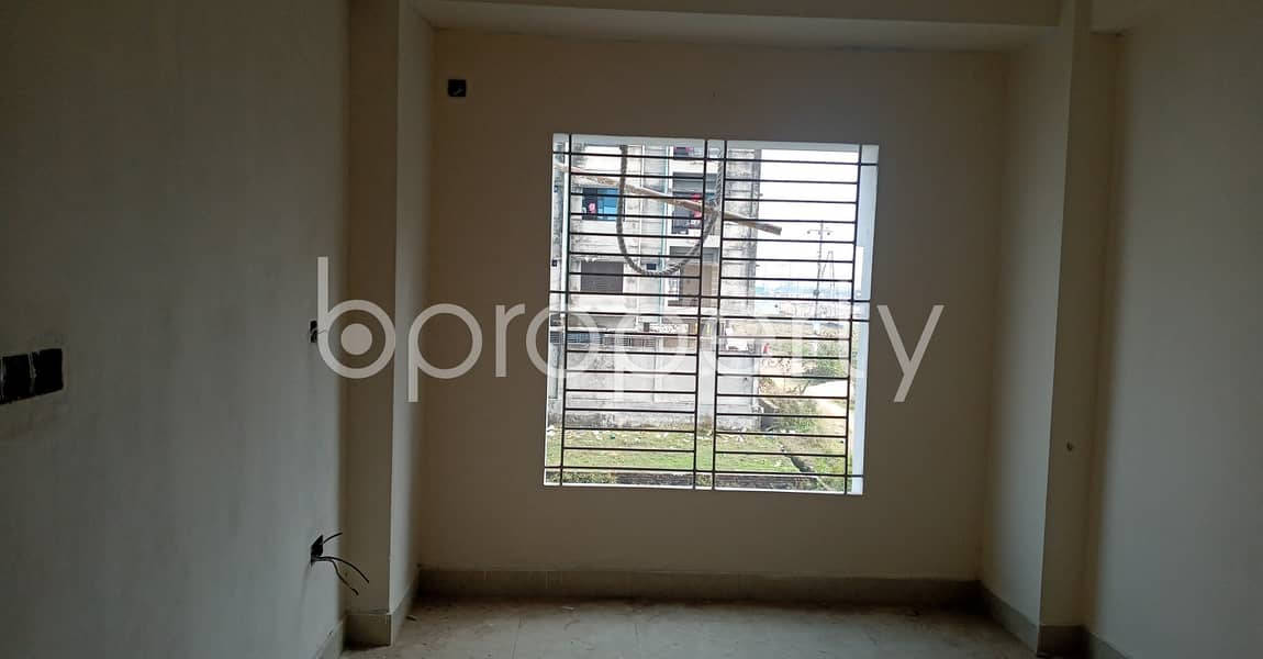 When Location, And Convenience Is Your Priority This Flat Is For You In Kolpolok R/A .