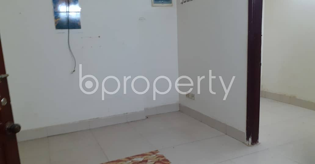 A Well Decorated 1000 Sq Ft Flat Is Up For Renting Purpose In Enayet Bazaar