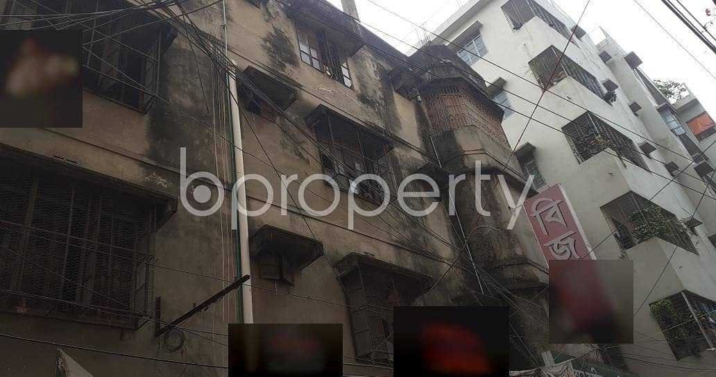 1400 Square Ft. Commercial Office Space For Rent Next To Kachukhet Muslim Modern College .