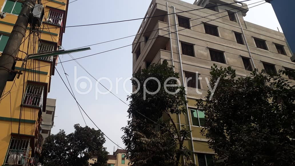 A Beautiful 650 Sq. Ft Apartment For Rent Is All Set For You Beside To Halishahar B Block Primary School.