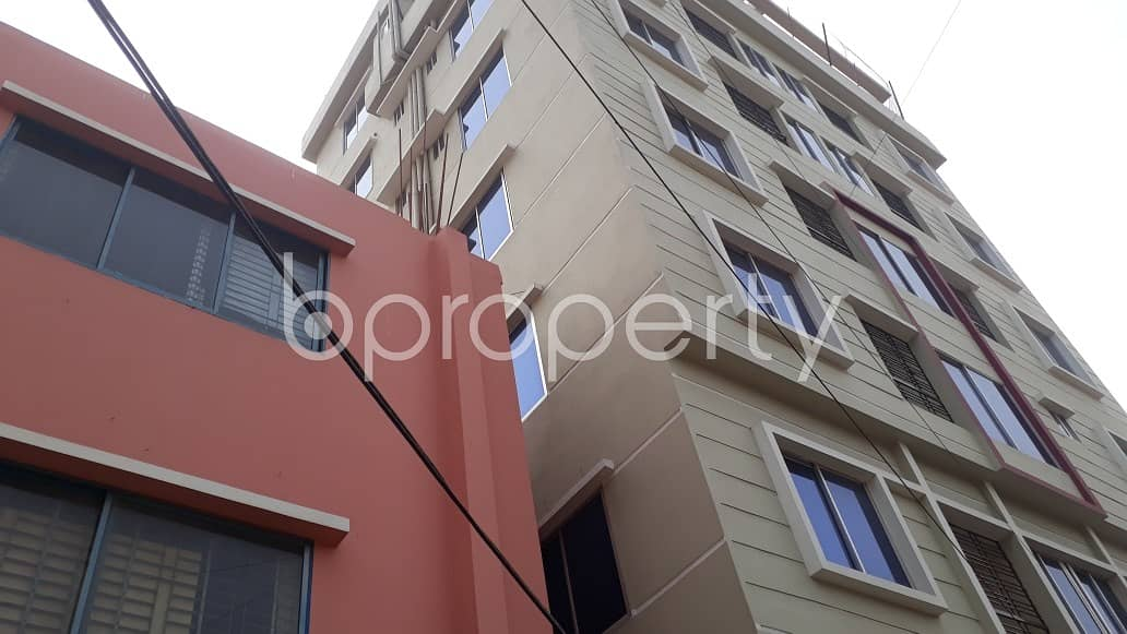 Adjacent To New A & I Block Jame Masjid, A Commercial Shop Is For Rent In North Halishahar.