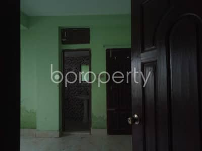 3 Bedroom Apartment for Rent in 16 No. Chawk Bazaar Ward, Chattogram - Get Your New Home At This 1250 Sq Ft Flat Is Up For Rent In Chawk Bazar