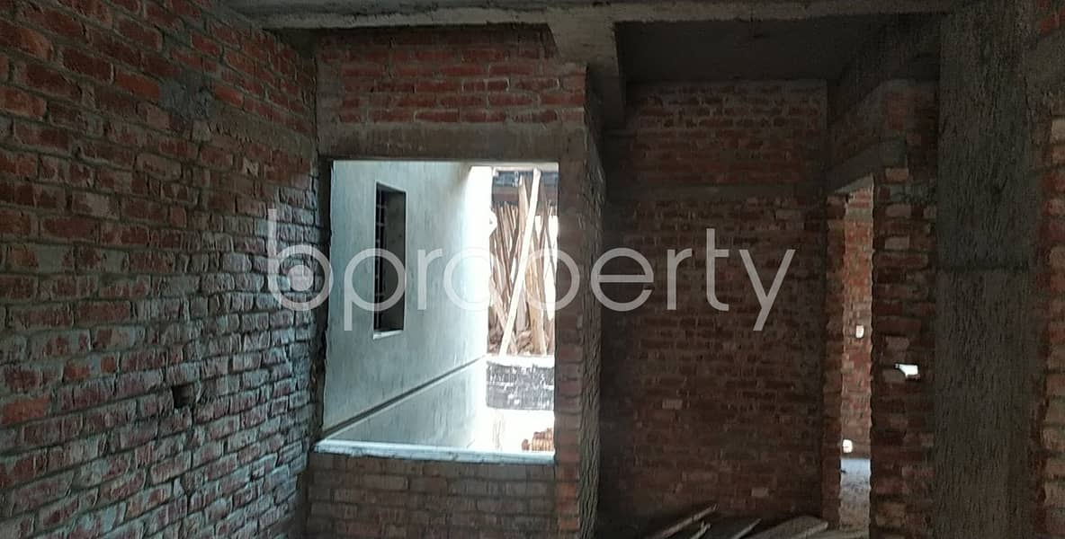 Obtain This Well Fitted Flat Of 1045 Sq Ft Which Is Up For Sale In Hill View R/a