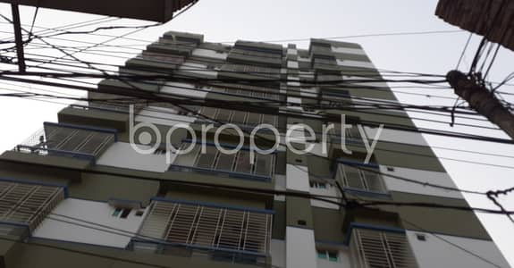2 Bedroom Flat for Rent in Hazaribag, Dhaka - This Moderate Apartment In Sultangong Road Is Up For Rent With An Area Of 850 Sq. ft