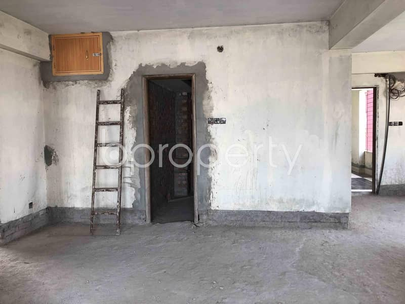 This Is A Spacious 3-Bedroom Apartment With An Area Of Over 1395 Sq Ft Is Up For Sale, In Dakshin Khan