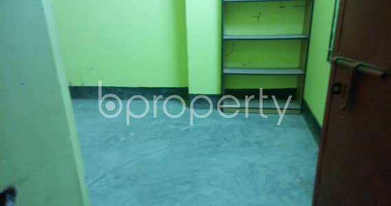 Office for Rent in Mirpur, Dhaka - This Amazing Office Space Of 300 Sq Ft Is Located In Middle Pirerbag Up For Rent