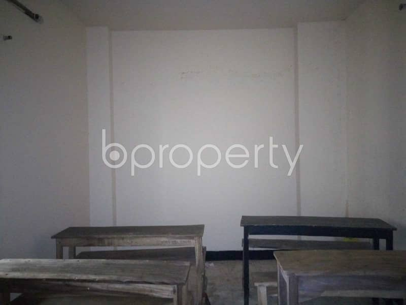 In Chawk Bazar This Office Space Is Up For Rent.