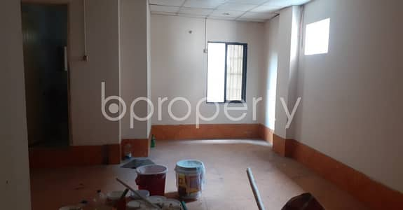 ভাড়ার জন্য এর অফিস - বংশাল, ঢাকা - See This Office Space Of 400 Sq. ft Is For Rent Located In Bangshal Very Near To Suritola Model Government Primary School