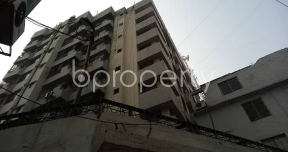3 Bedroom Flat for Rent in Maghbazar, Dhaka - Spaciously Designed And Strongly Structured This Large 1400 Sq. Ft Apartment Is Now Vacant For Rent In Maghbazar