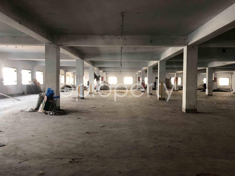 Check Out This Commercial Floor Of 15000 Sq Ft Up For Rent In Double Mooring