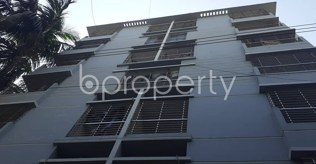 Comfortable, Convenient And Well-constructed 1400 Sq. Ft Flat Is Ready For Sale At Lake Valley R/A .