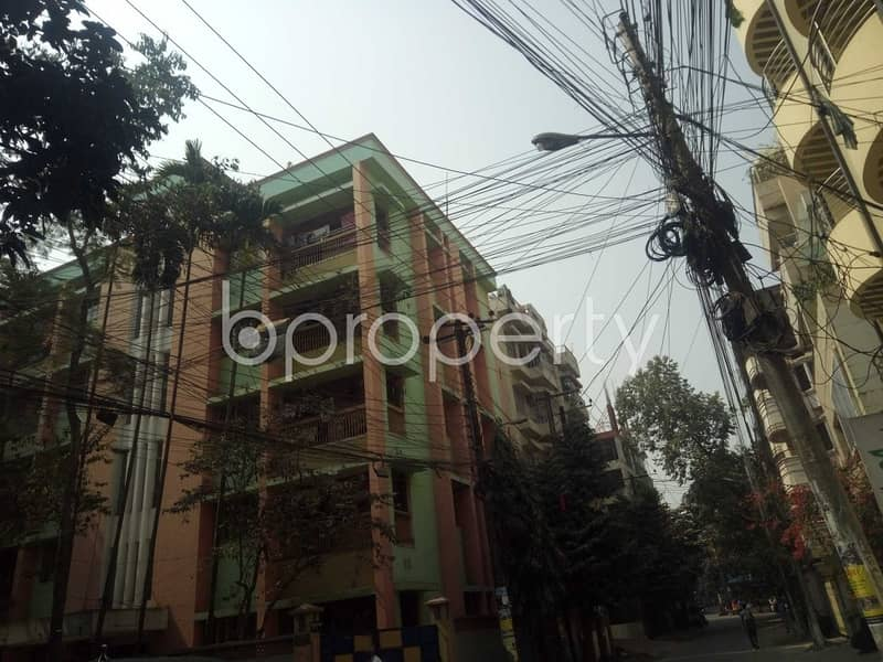 Take rent of a nicely done 1000 SQ FT residential apartment located at Panchlaish