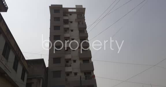 This 900 Square Feet Flat In Patharghata Next To St. Scholastica's Girls' School & College With A Convenient Price Is Up For Rent.