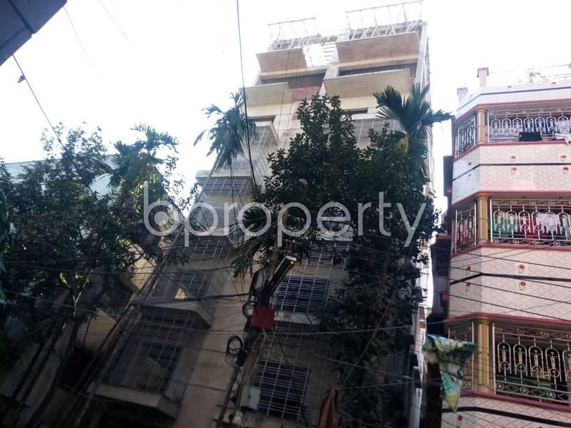 This Ready Apartment At Halishahar , Near Halisahar Cantonment Public School & College Is Up For