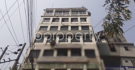 Office for Rent in New Market, Dhaka - 1600 Square Feet Commercial Area Is Up For Rent At New Market