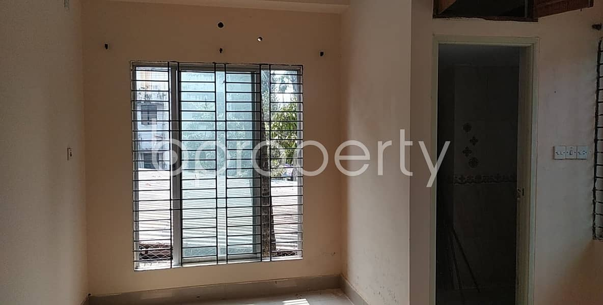 Grab This Lovely Flat Of 1300 Sq Ft Is Up For Sale In Bayazid Before It's Sold Out