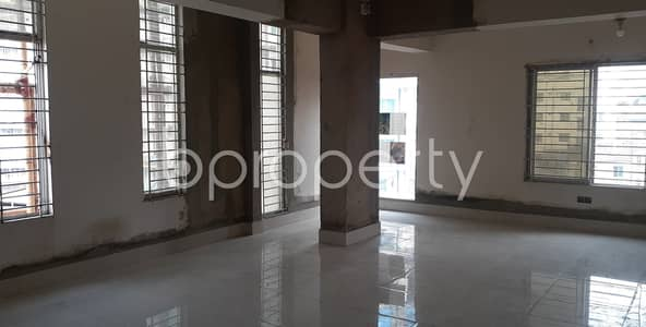 Apartment for Rent in Riaj Uddin Bazar, Chattogram - Are You Thinking Of Expanding Your Business? This Open Space Covering 700 Sq. Ft. Near To Aparna Charan City Corporation Girl's High School & College.