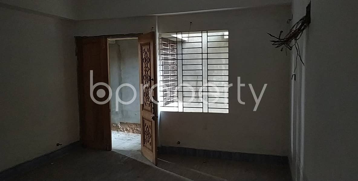 A Convenient 1350 Sq Ft Residential Flat Is Prepared To Be Sold At Gulshan R/a, Bayazid