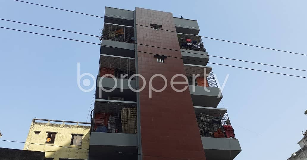 In The Location Of Mohammadpur, Close To Saat Gombuj Jaame Masjid, A Flat Is Up For Sale