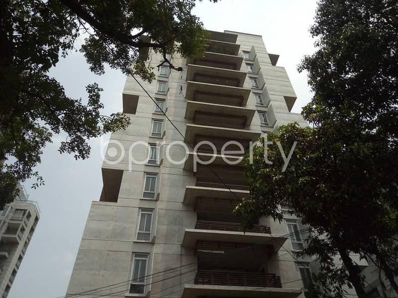 At Gulshan flat for Rent close to Jame Masjid